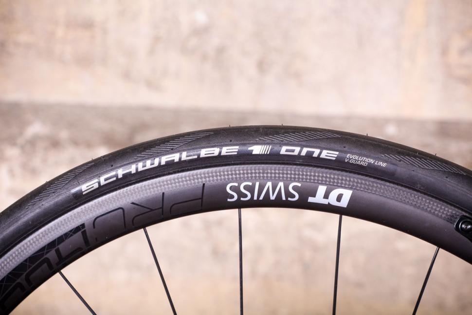 Storck Aer 2 Platinum Edition G1 - rim and tyre.jpg