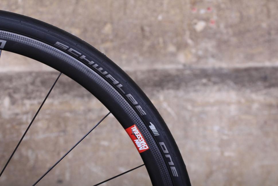 Storck Durnario Platinum - tyre.jpg