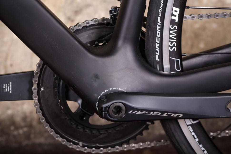 Storck Fascenario 3 - bottom bracket.jpg