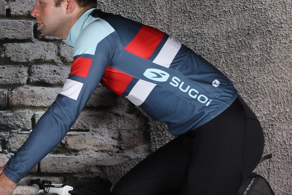 0247c5dac Sugoi Evolution Pro Longsleeved Jersey - riding.jpg