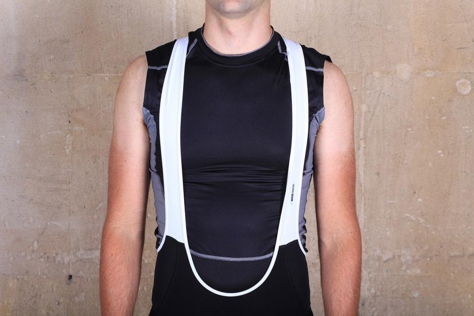 Sugoi RSE Bib Shorts - straps front.jpg
