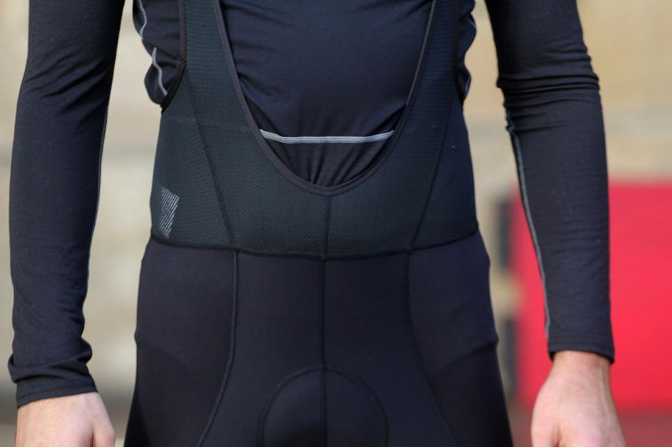 Sugoi Windblock Bib Tight - front detail.jpg