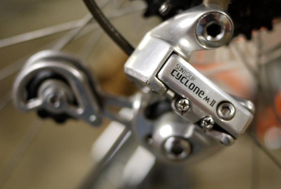 SunTour Cyclone Mk II rear derailleur (CC BY 2.0 Andy Karmy|Flickr).jpg