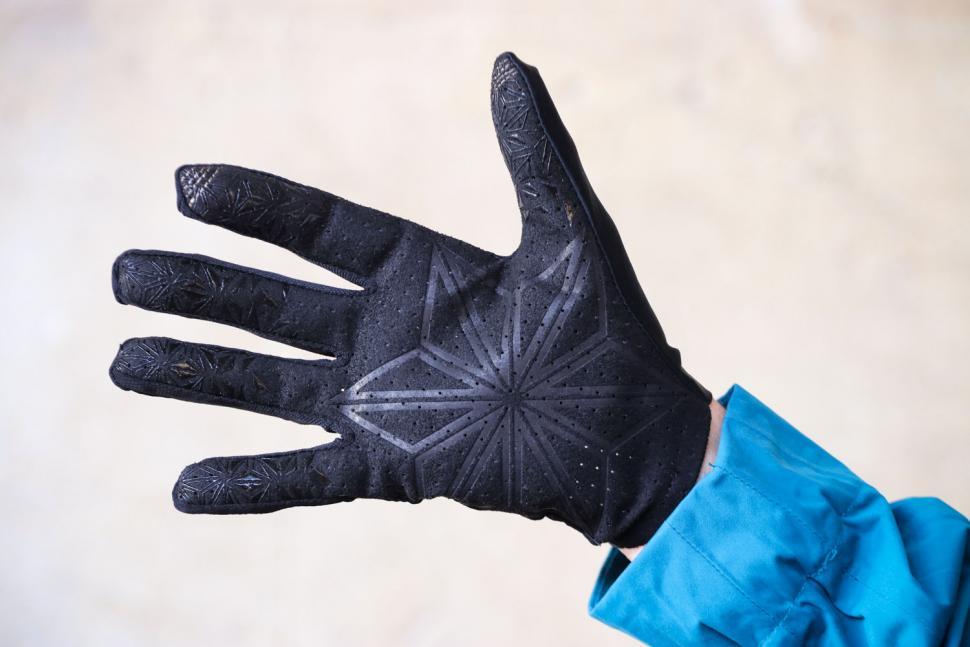 Supacaz SupaG Long Gloves - palm.jpg