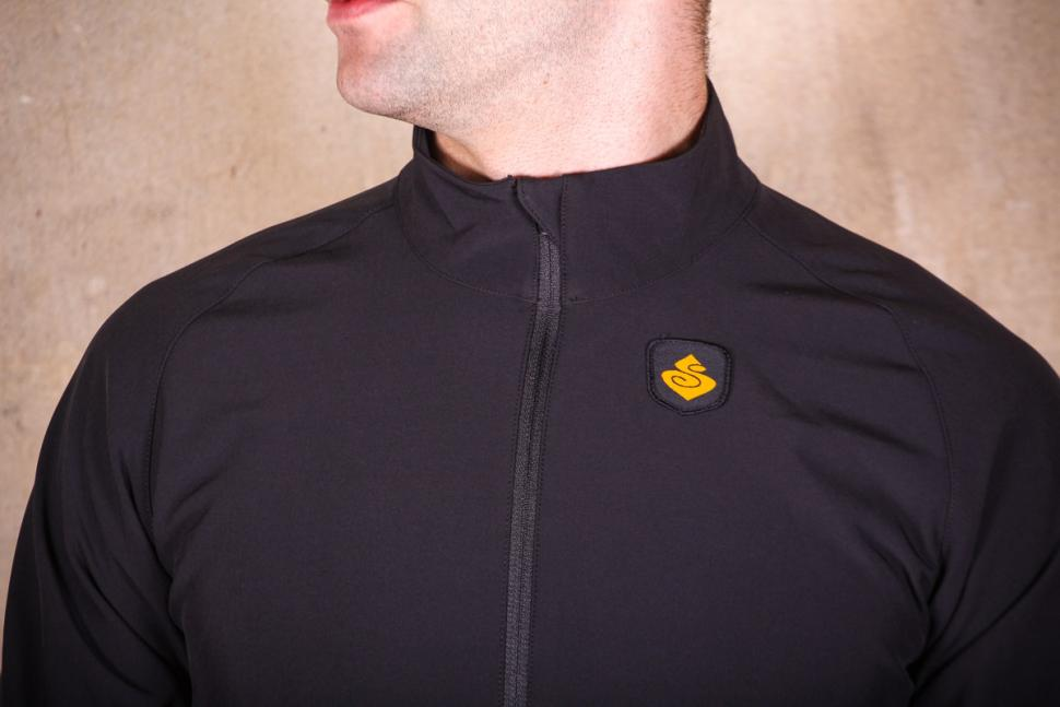 sweet_protection_crossfire_jacket_-_collar_and_chest.jpg