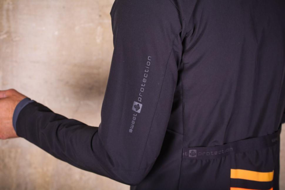 sweet_protection_crossfire_jacket_-_sleeve_detail.jpg