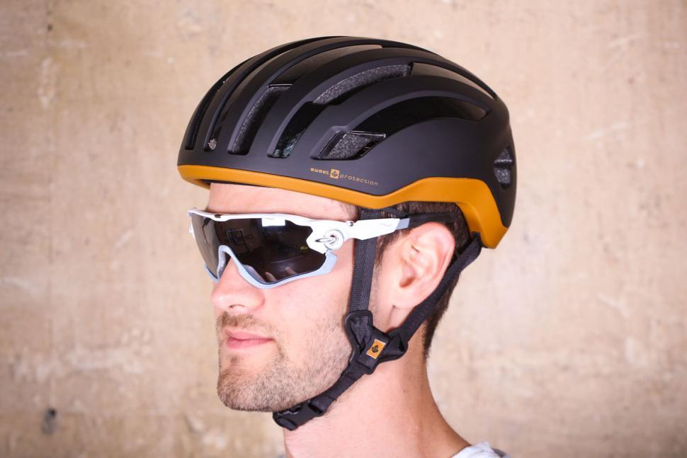 sweet_protection_outrider_helmet.jpg