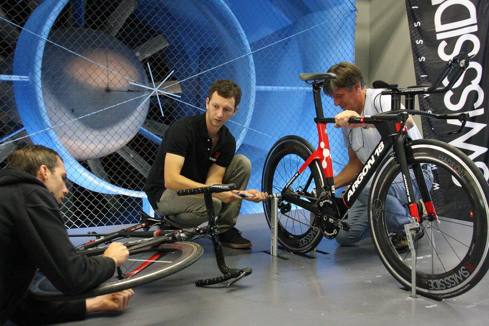 Swiss Side Wind Tunnel 25.jpg