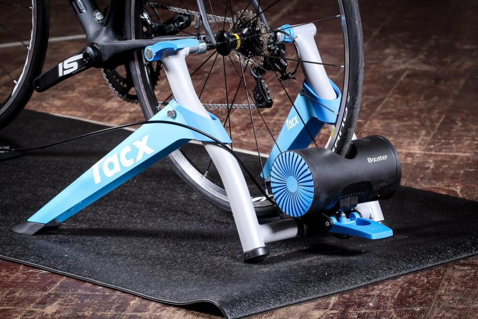 Review Tacx Booster Ultra High Power Folding Magnetic Trainer