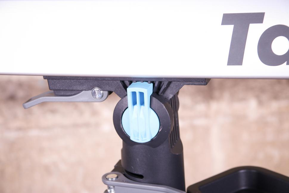 Tacx Spider Team workstand - angle adjuster.jpg