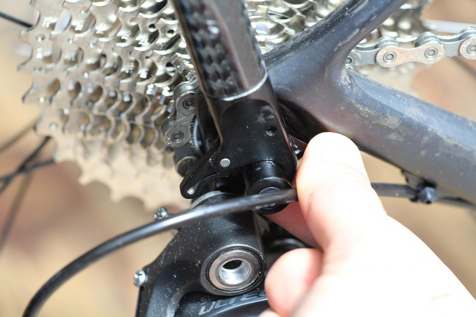 Tailfin Carbon Rack - QR detail 2.jpg
