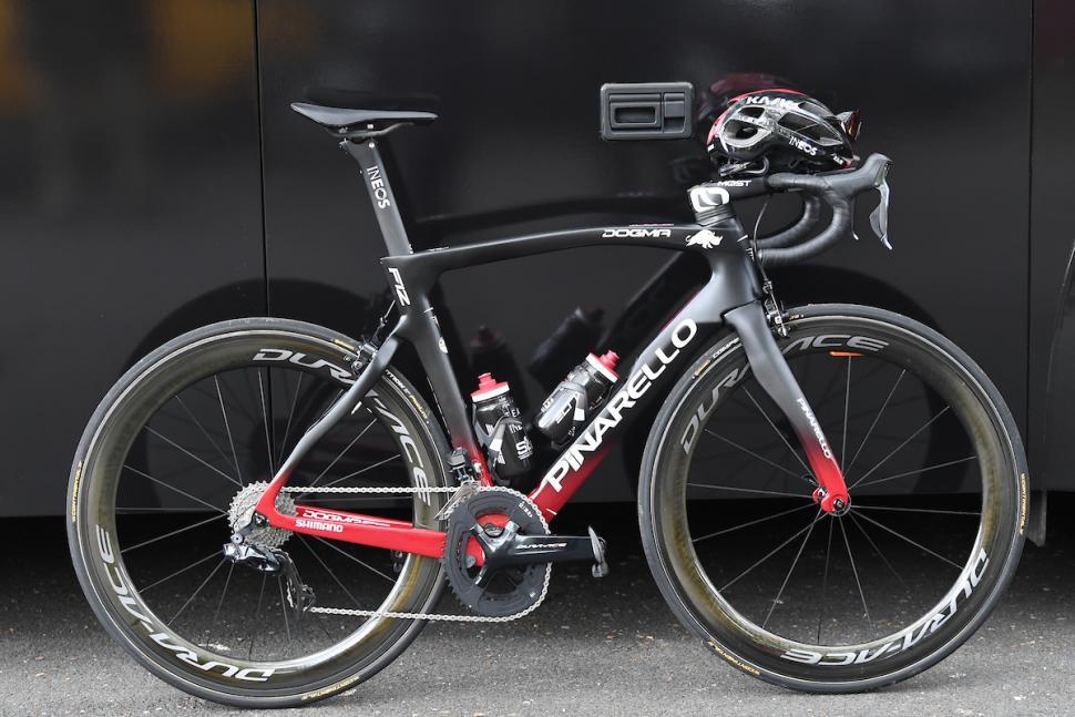 Team Ineos Chris Froome Pinarello Dogma F12 (picture credit SWPix.com (2).jpg