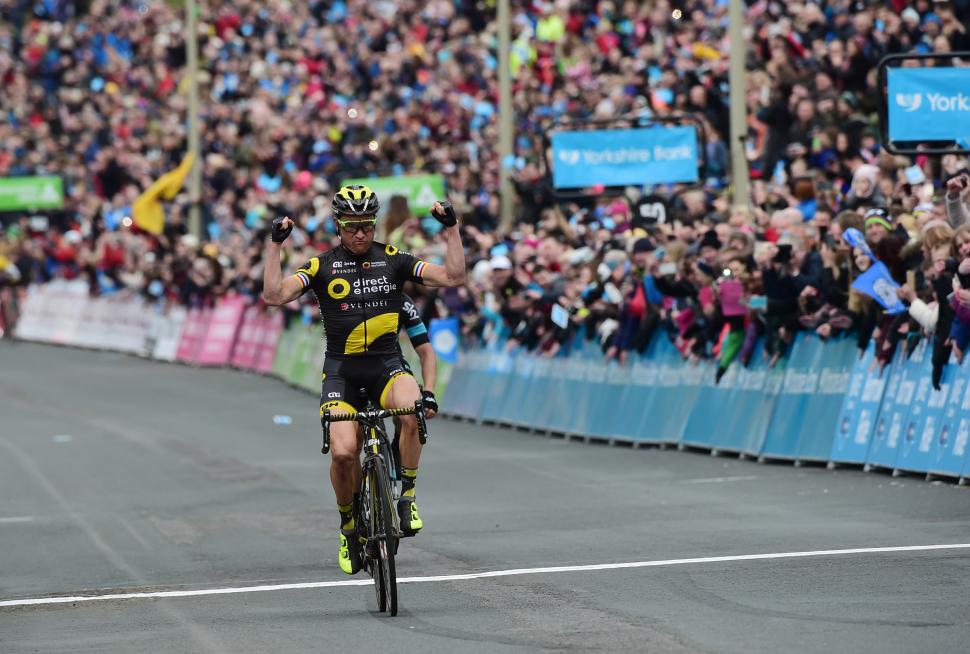 Thomas Voeckler winning the final stage of Tour de Yorkshire in Scarborough (SWPIX.com).jpg