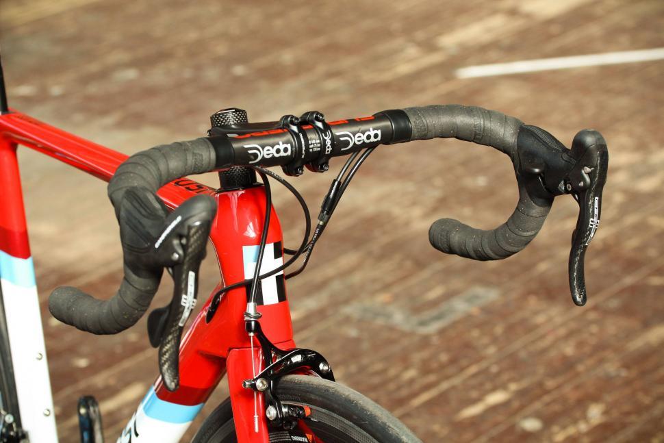 Tifosi SS26 Aero - bars.jpg