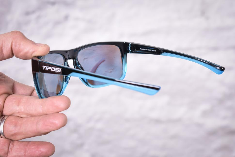 6c6ff616e88 Review  Tifosi Swick Onyx Blue Fade New Blue