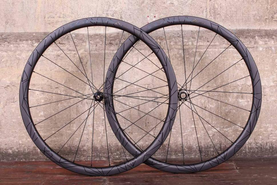 24d19043353 Token Prime Ventous Carbon Disc Road Wheelset £1,099.99 (link is external)