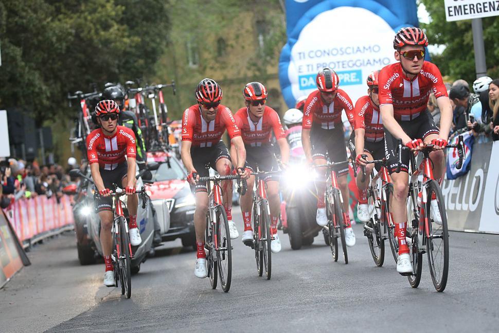 Tom Dumoulin finishes Giro d'Italia 2019 Stage 4 (picture credit Team Sunweb)