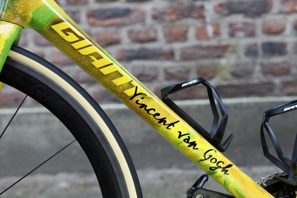 Tom Dumoulin's Vincent Van Gogh inspired Giant road bike6