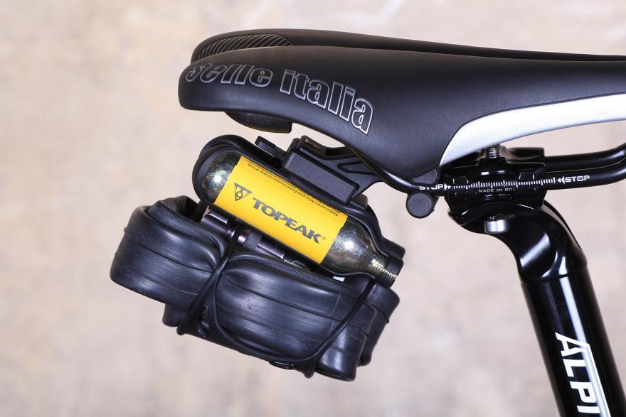 topeak-airbooster-extreme-mounted-saddle.jpg