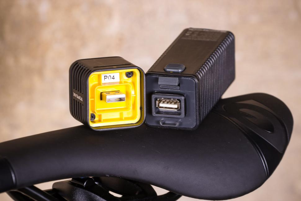 Topeak Cubicubi 1200 - battery and head unit connector.jpg