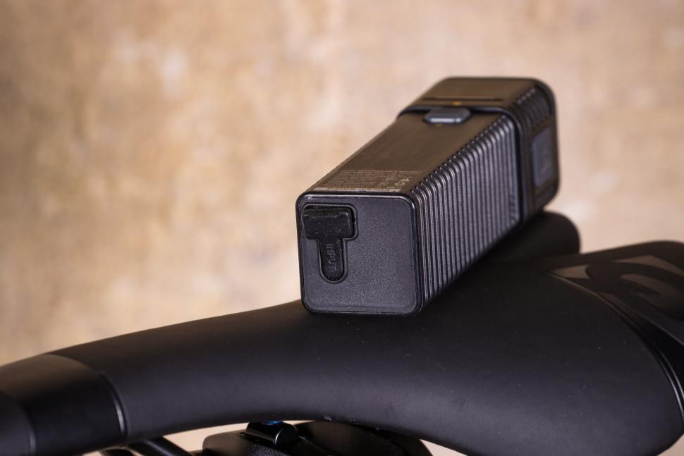 Topeak Cubicubi 1200 - USB port.jpg