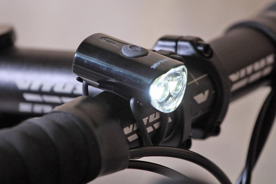 Topeak Mini USB Combo - front light.jpg