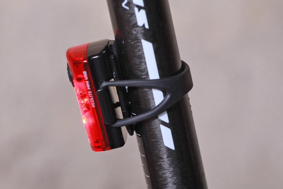 Topeak Mini USB Combo - rear light side.jpg