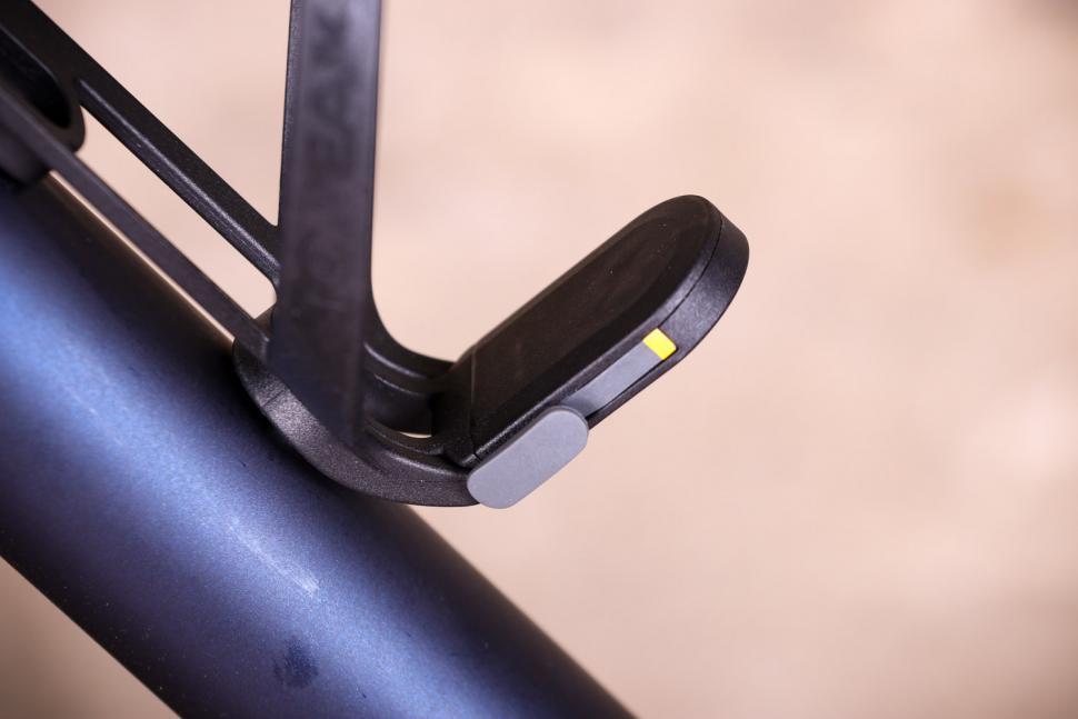 Topeak Ninja cage x - on bike detail.jpg