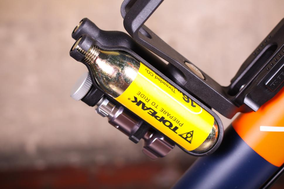 Review: Topeak Ninja CO2+ | road cc