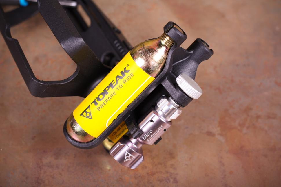 Topeak Ninja CO2 - Micro Airbooster.jpg