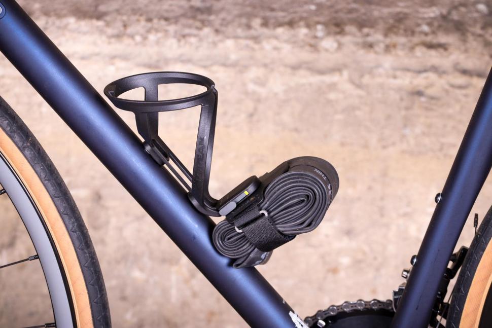 Topeak Ninja Free StrapPack - on bike.jpg