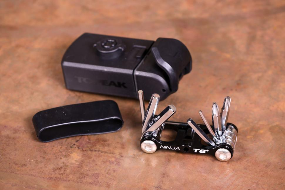Topeak Ninja Toolbox T8 - öffnen Sie 2.jpg