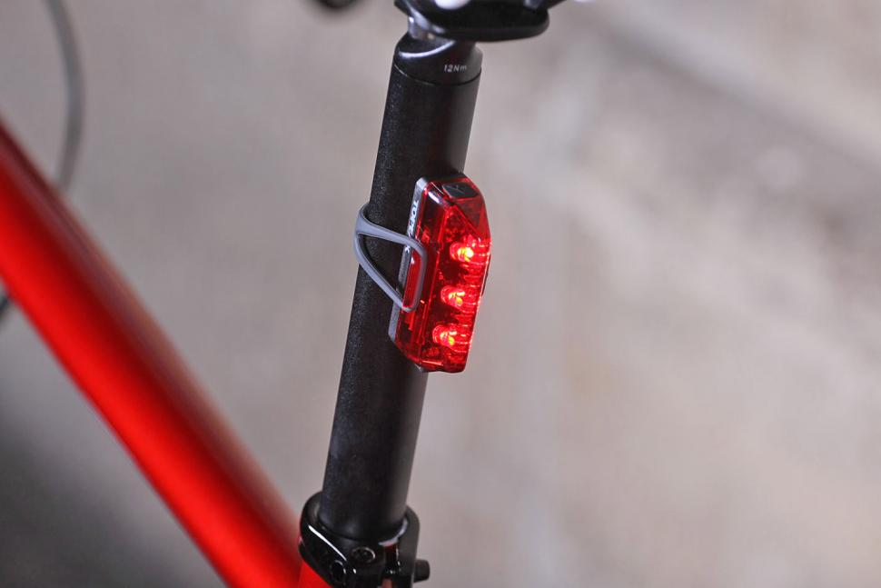 Review Topeak Redlite Aero Usb Rear Light Road Cc