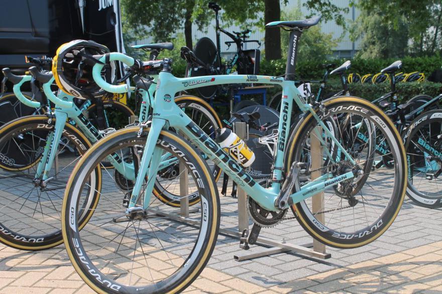 2016 worldtour team bikes