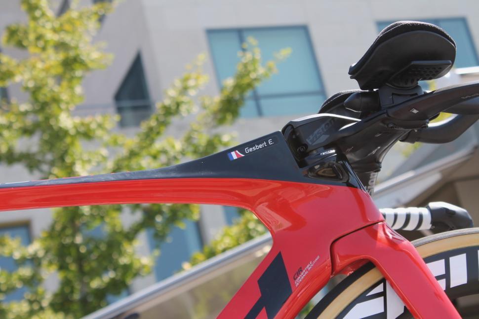 Tour de France 2019 Arkea Samsic Gesbert BH TT bike integrated front end - 1.jpg