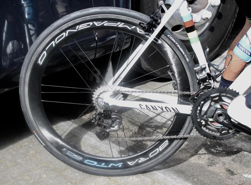 Tour de France 2019 Campag Bora WTO 60 - 1.jpg
