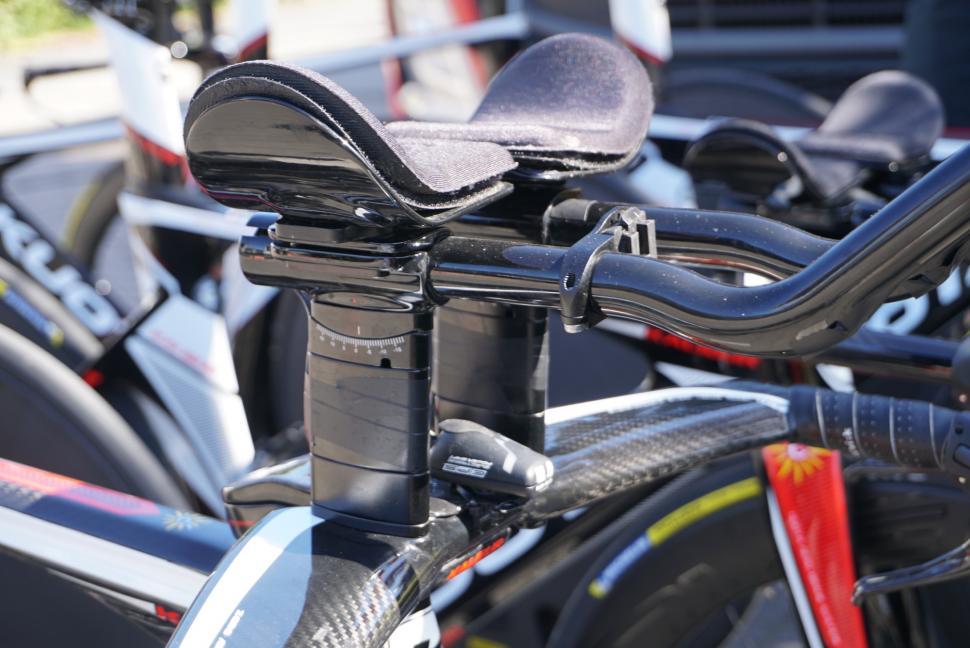 Tour de France 2019 Cofidis aerobars big stack - 1.jpg