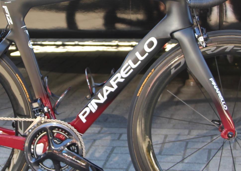 Tour de France 2019 Geraint Thomas Pinarello Dogma F12 - 1.jpg