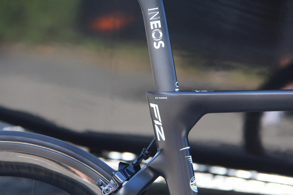 Tour de France 2019 Geraint Thomas Pinarello Dogma F12 - 4.jpg
