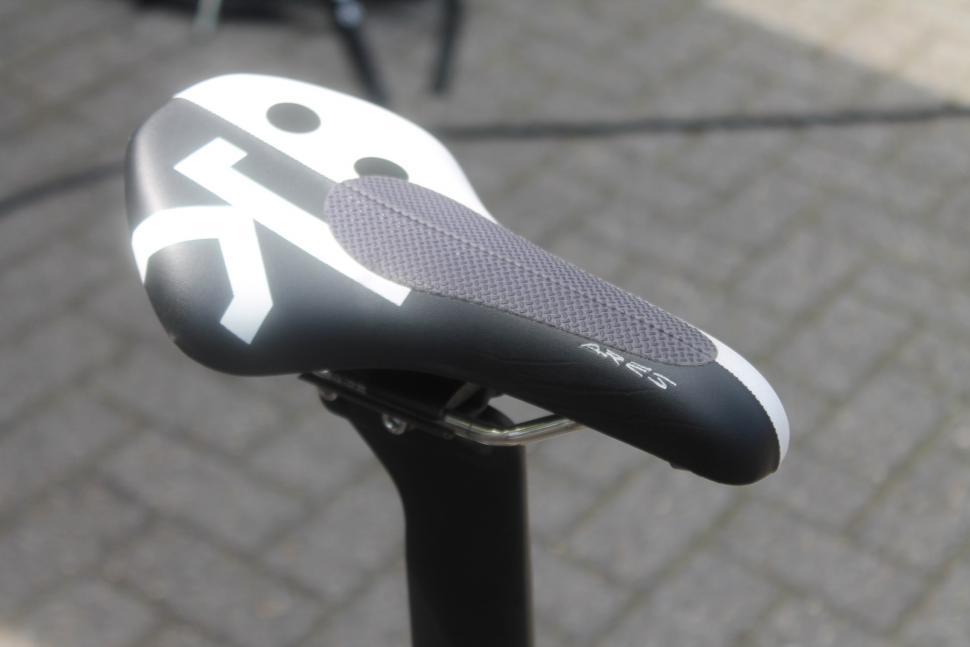 Tour de France 2019 Imanol Erviti TT saddle - 1.jpg