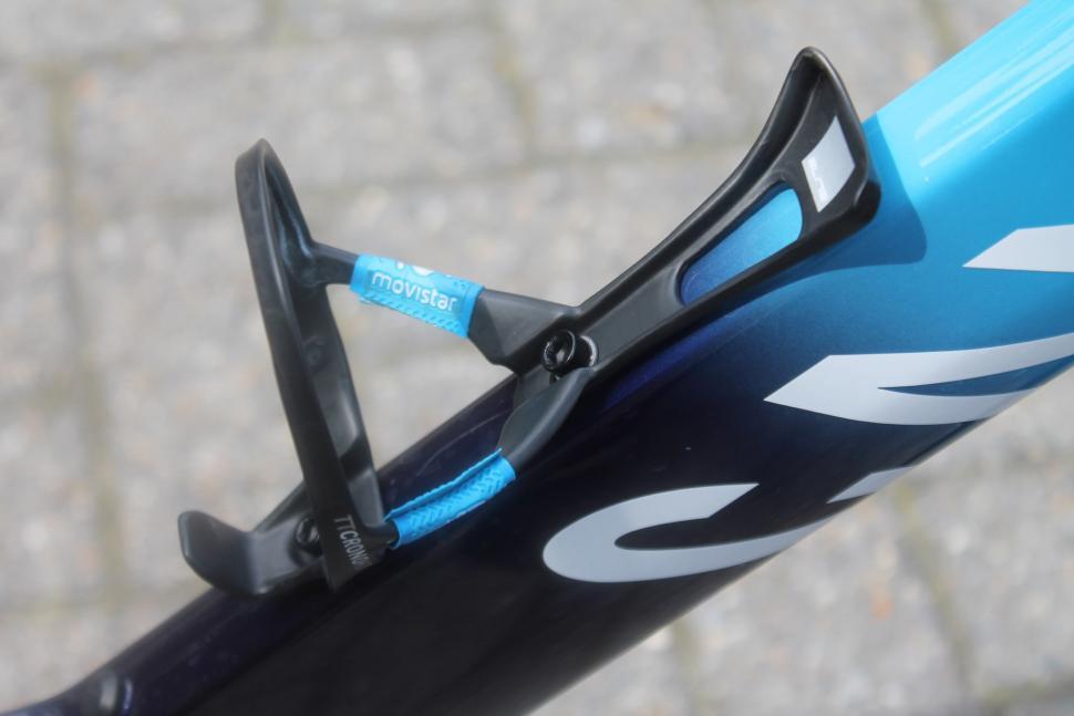 Tour de France 2019 Movistar bottle cage handlebar tape grip - 1.jpg