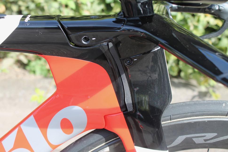 Tour de France 2019 Nicolas Roche Cervelo P5 Disc - 7.jpg