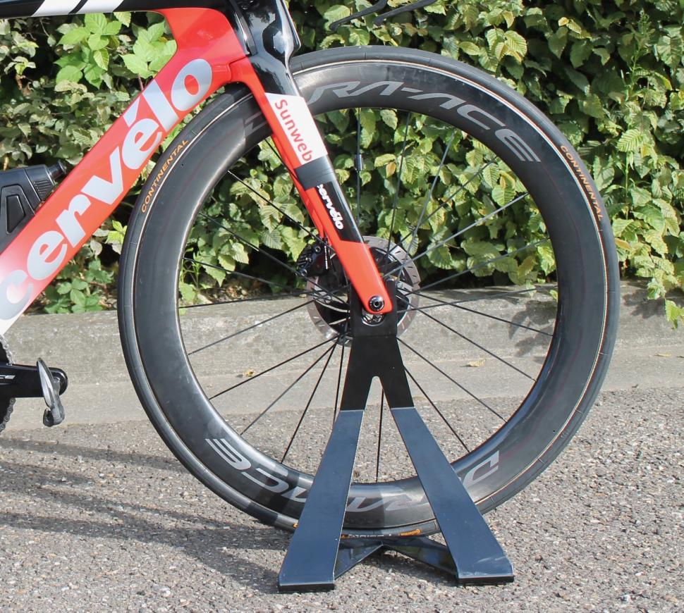 Tour de France 2019 Nicolas Roche Shimano C60 front wheel - 1