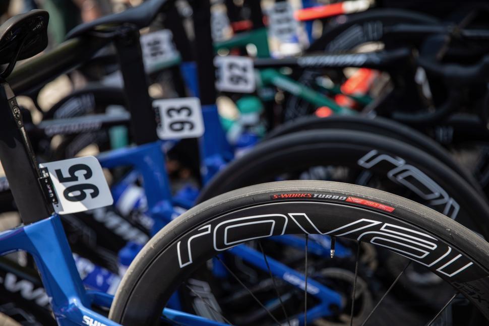 Tour de France 2019 Quick-Step Specialized tyres - 1.jpg