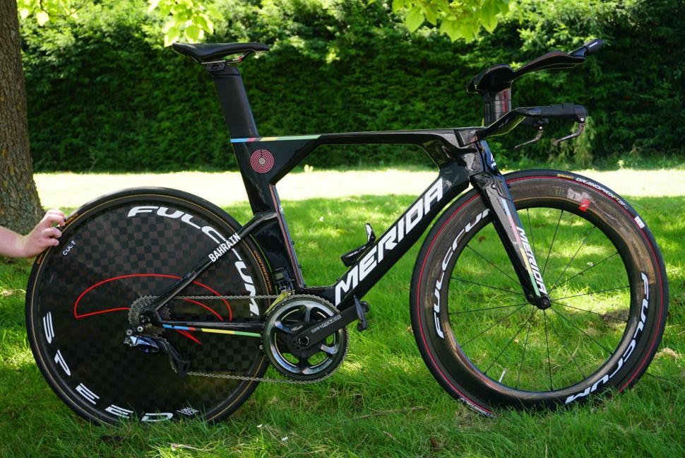 Tour de France 2019 Rohan Dennis Merida Time Warp TT World Champs stripes - 1.jpg