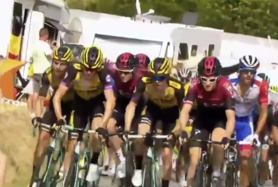 Tour de France 2019 - Rowe:Martin argy bargy
