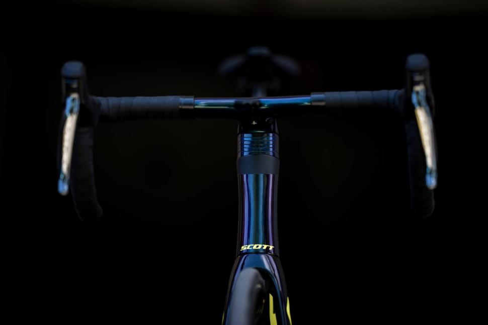 Tour de France 2019 Simon Yates Scott Addict RC - 2.jpg