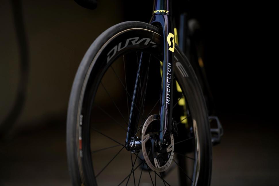 Tour de France 2019 Simon Yates Scott Addict RC - 3.jpg