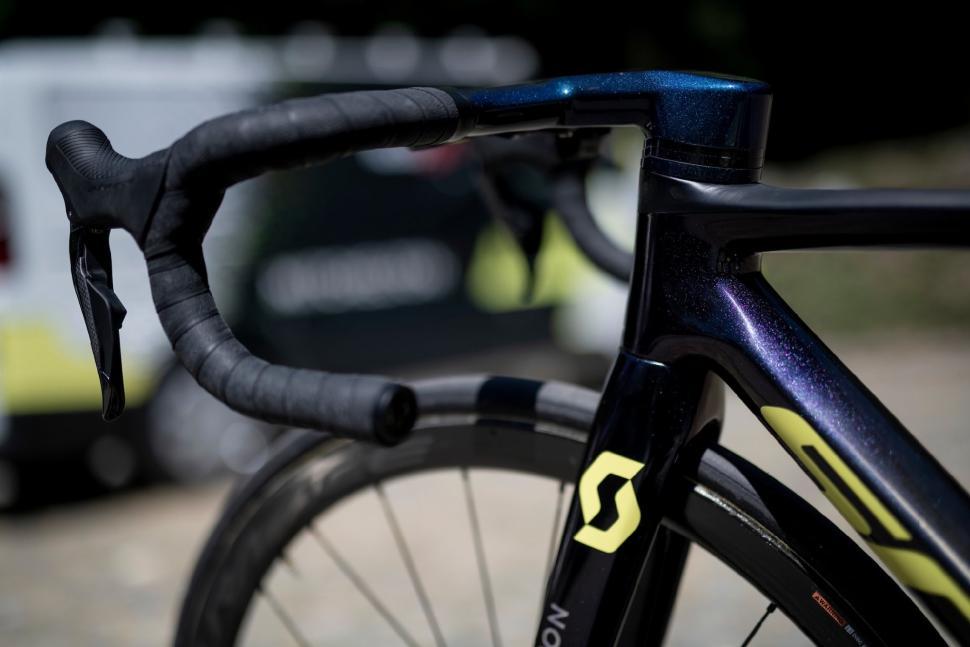 Tour de France 2019 Simon Yates Scott Addict RC - 4.jpg