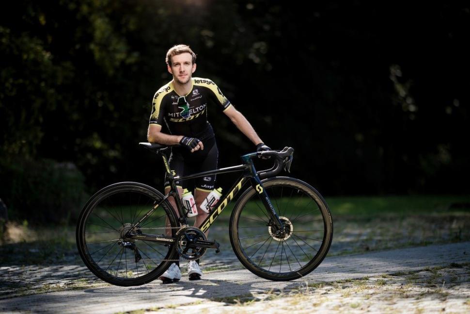 Tour de France 2019 Simon Yates Scott Addict RC - 5.jpg